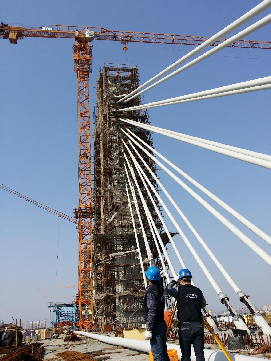Zhongtian tower crane and bridge